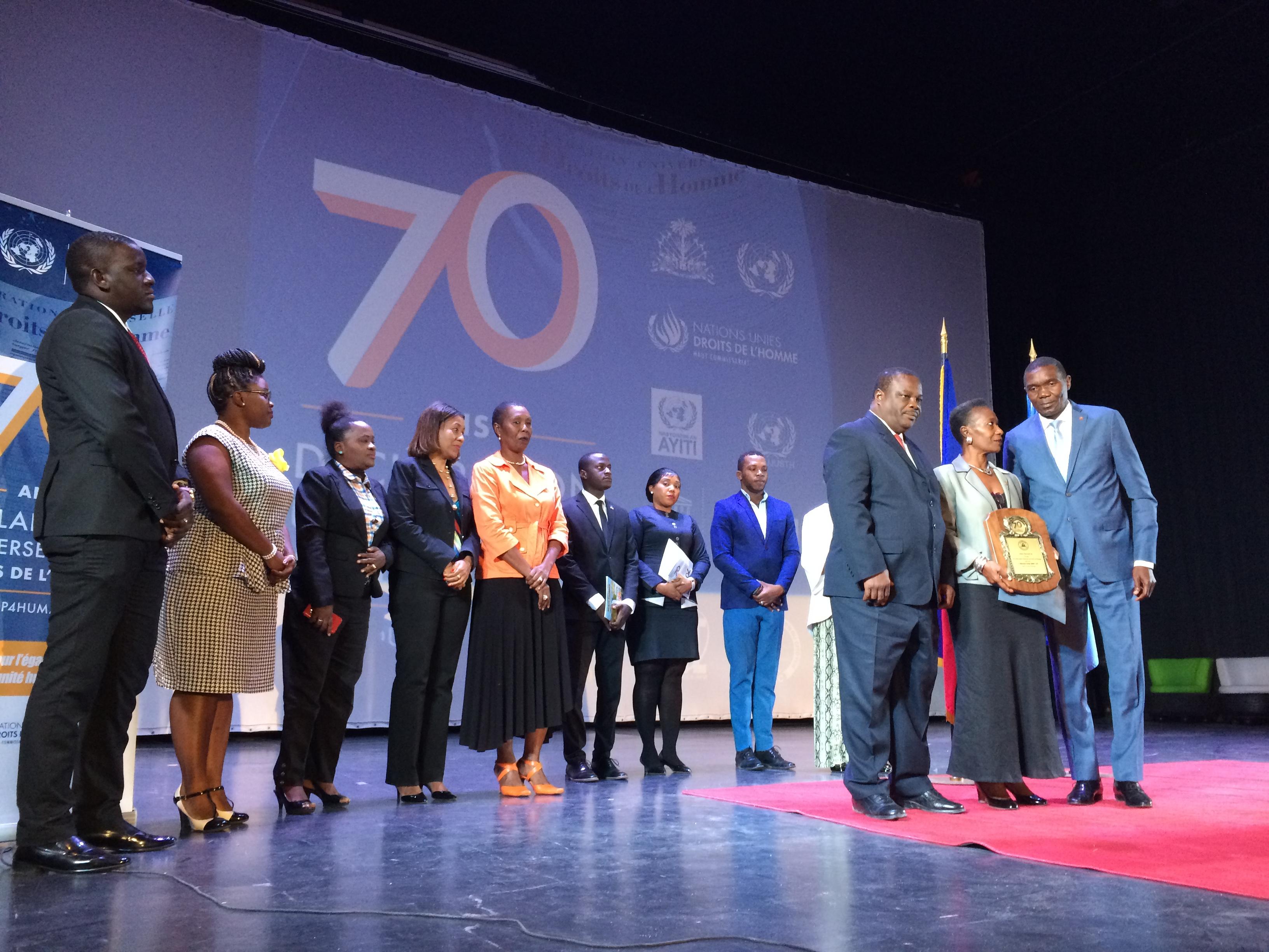 Les autorités haïtiennes, les Nations Unies et leurs partenaires culminent les activités de commémoration du 70ème anniversaire de la Déclaration universelle des droits de l'homme