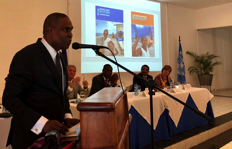 Le Premier Ministre d'Haïti, Jean Henry Céant, lors du discours de lancement du Plan de Réponse Humanitaire 2019-2020 accompagné par le Ministre de la Planification et de la Coopération Externe, Jean Claudy Pierre, le Coordonnateur Résident des Nations Unies et Coordonnateur Humanitaire, Mamadou Diallo, Anne-Catherine Bajard, en représentation des ONGs, et l´ambassadeur de l'Union européenne et représentant des partenaires techniques et financiers, Vincent Degert